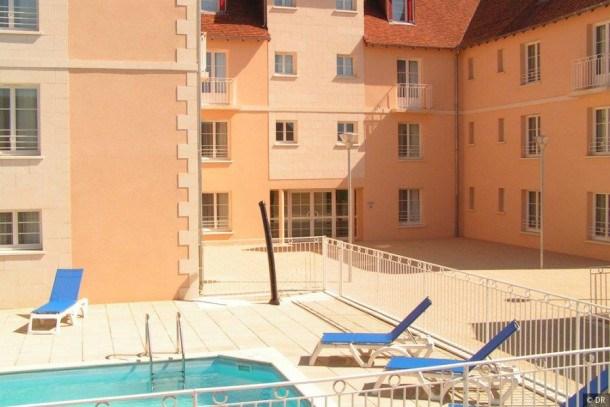 Location vacances La Roche-Posay -  Appartement - 2 personnes - Court de tennis - Photo N° 1