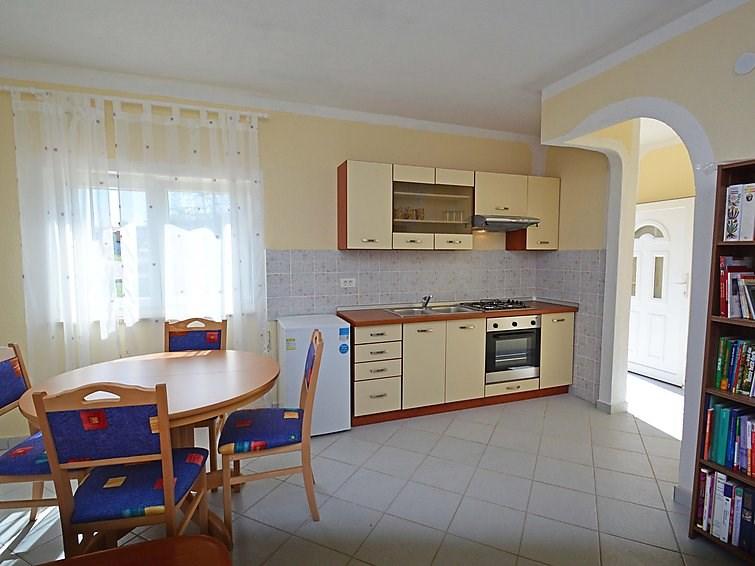 Appartement pour 2 personnes à Pula/Krnica
