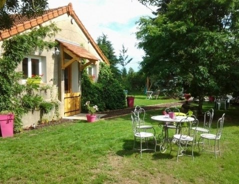 Location vacances Moulins -  Maison - 5 personnes - Barbecue - Photo N° 1