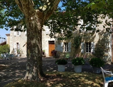 Location vacances Sarrant -  Maison - 10 personnes - Barbecue - Photo N° 1