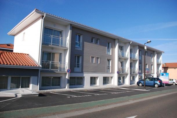 Location vacances Vieux-Boucau-les-Bains -  Appartement - 8 personnes - Salon de jardin - Photo N° 1