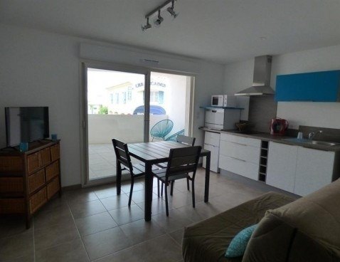 Location vacances Saintes-Maries-de-la-Mer -  Appartement - 4 personnes - Télévision - Photo N° 1