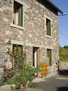Maison de village à la campagne