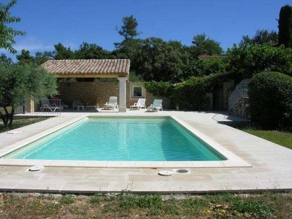 MENERBES, LUBERON, très beau mas de caractère restauré 6 personnes, piscine privée