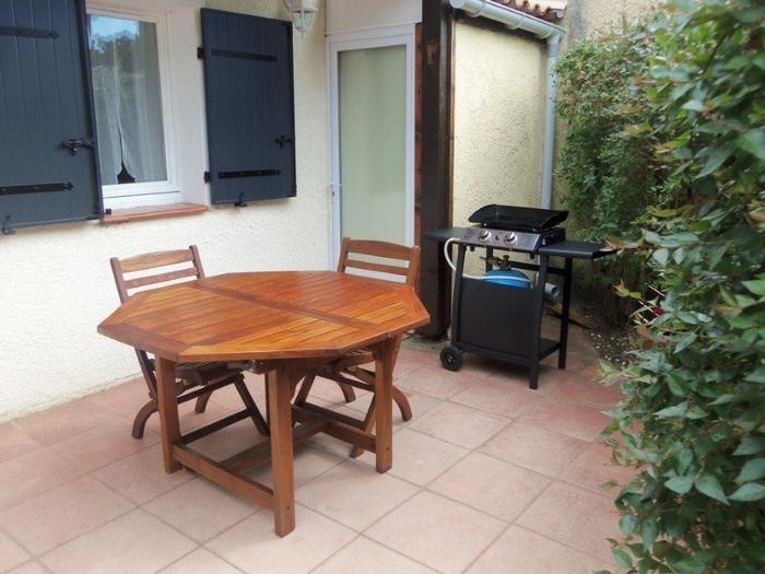 Location vacances Lacanau -  Maison - 4 personnes - Salon de jardin - Photo N° 1