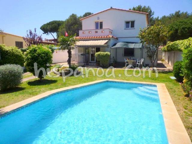 Belle villa en location pour 8 avec piscine privée - L'Escala  XCR08