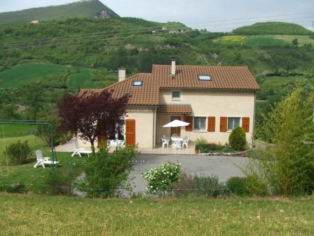 Près de MILLAU (Aveyron) Appartement avec 3 chambres - Paulhe