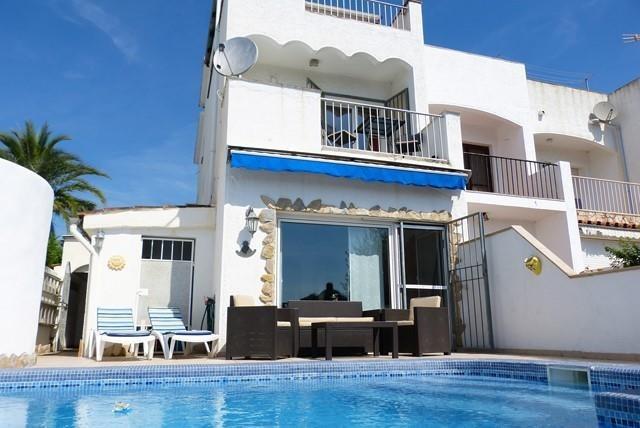 Maison pour 6 pers. avec piscine privée, Castelló d'Empúries