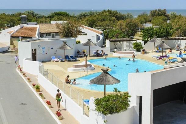 Location vacances Saintes-Maries-de-la-Mer -  Maison - 6 personnes - Salon de jardin - Photo N° 1