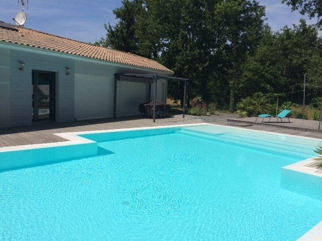 Villa standing avec piscine