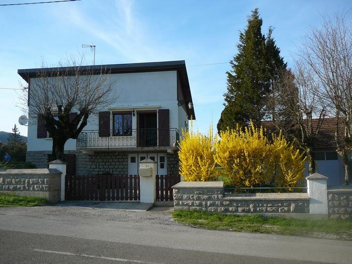 Holiday rentals La Tour-du-Meix - House - 4 persons - BBQ - Photo N° 1