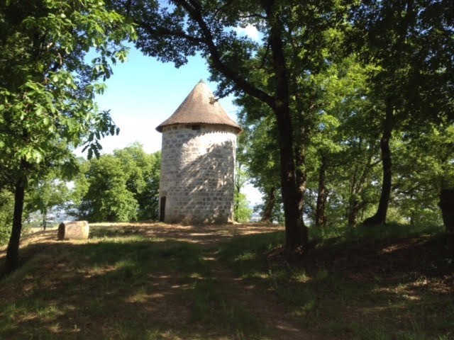 Location moulin pour 4 personnes avec grand jardin