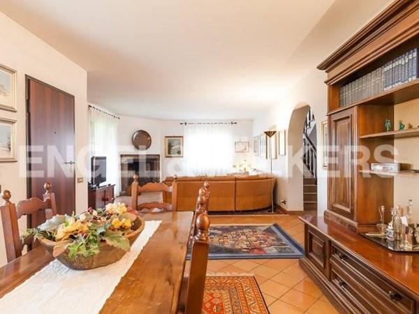 Vente  285m² Guidonia Montecelio