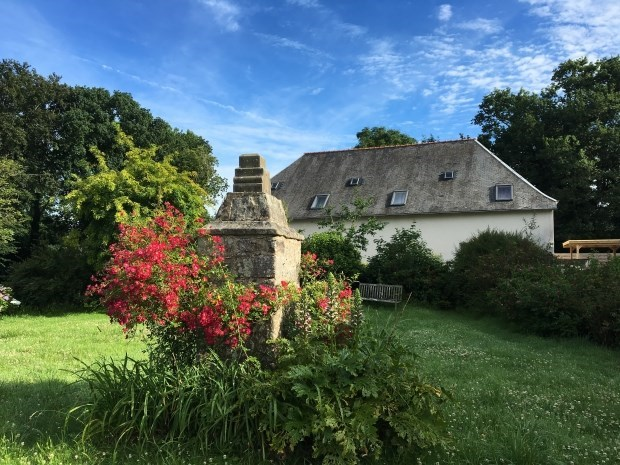Gîte in the property of a manor near the sea - Saint-Derrien