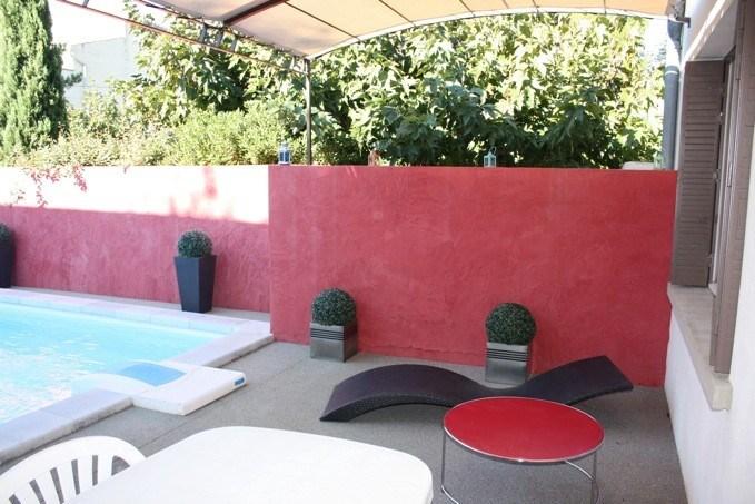 La Maison des Arènes est une ravissante maison de vacances de plain-pied, très cosy, située dans le centre du renomme...