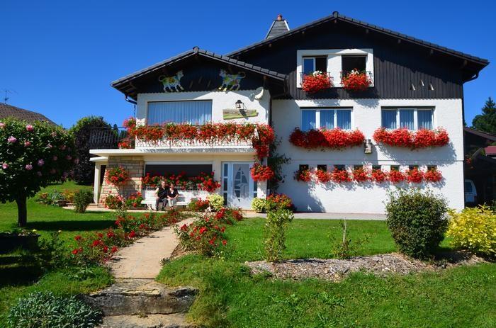 Location vacances Vaux-et-Chantegrue -  Appartement - 5 personnes - Barbecue - Photo N° 1