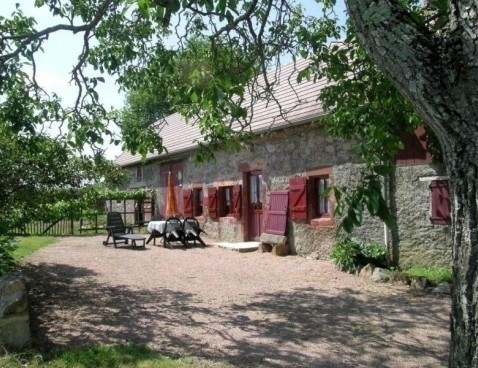 Location vacances Le Donjon -  Maison - 5 personnes - Barbecue - Photo N° 1