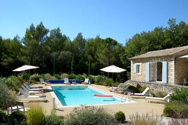 Location grande maison avec piscine et garnd jardin pour 17 personnes au calme a 3 km du village MENERBES