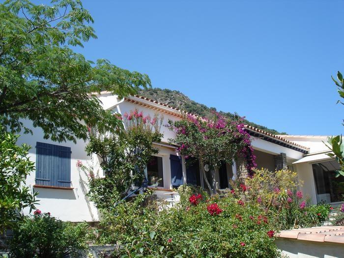 Location vacances Le Lavandou -  Appartement - 2 personnes - Salon de jardin - Photo N° 1