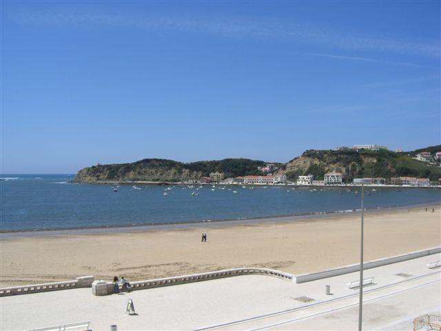 La belle plage de Sao Martinho do Porto à 5 minute