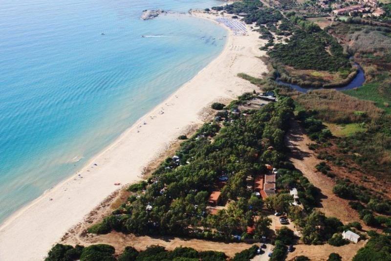 Camping Capo Ferrato, 83 emplacements, 26 locatifs