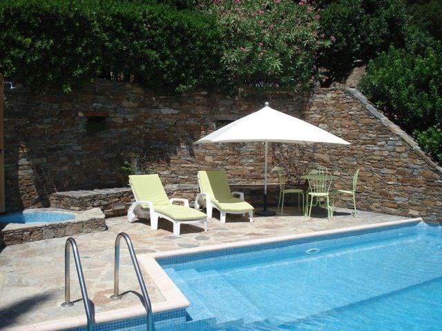 Les Muriers est une très agréable maison de vacances dans le beau domaine du « Gaou Bénat » à Bormes-les-Mimosas (Pro...