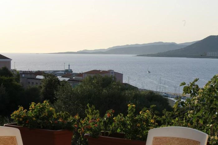 Holiday rentals Propriano - Apartment - 4 persons - BBQ - Photo N° 1