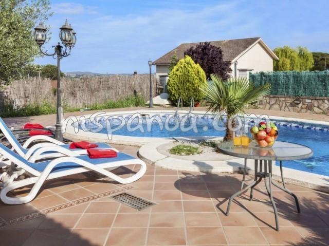 Location vacances Tordera -  Maison - 8 personnes - Télévision - Photo N° 1