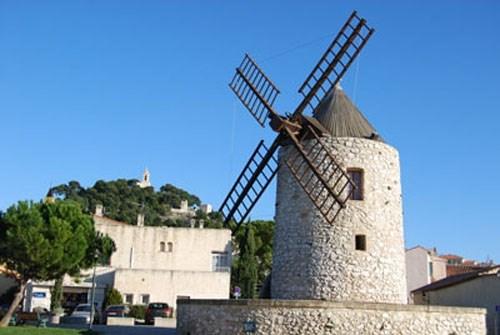 Maison à Allauch en Provence à 2 km de Marseille, à 12 km de la mer