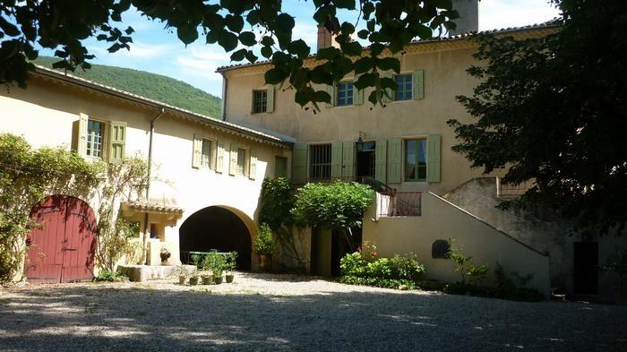 Location vacances Montélimar -  Maison - 13 personnes - Barbecue - Photo N° 1