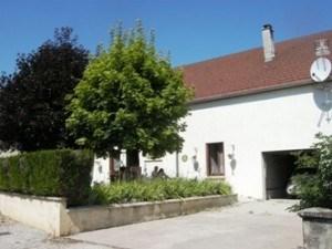 Gîte indépendant mitoyen à d'autres bâtiments dans une maison ancienne restaurée. A proximité de ...