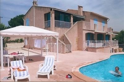 Location Saisonnière entre particulier  . gîte evec piscine pour 5 personnes tout confort - Le Muy