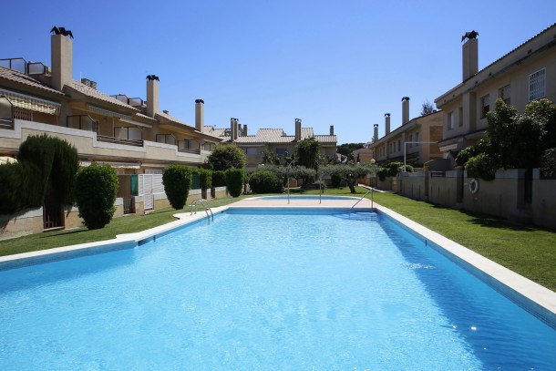 Location vacances Torredembarra -  Maison - 7 personnes - Barbecue - Photo N° 1