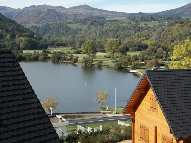 Chalet pour 7 pers. avec piscine, Chambon-sur-Lac