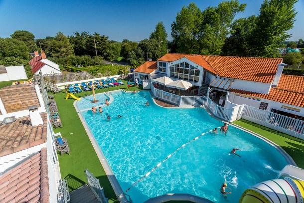 Location vacances Saint-Hilaire-de-Riez -  Maison - 6 personnes - Salon de jardin - Photo N° 1