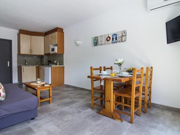 Location vacances Castell-Platja d'Aro -  Appartement - 6 personnes - Télévision - Photo N° 1