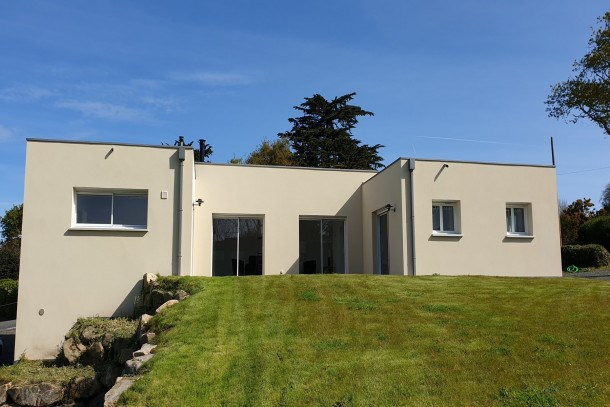 Maison neuve de plain-pied avec grand jardin et Wifi à Trégastel