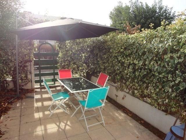 STUDIO REZ-DE-CHAUSSEE - PROCHE PLAGE ET COMMERCE- CALME. Résidence LE LANGUEDOC- Spacieux studio en rez-de-jardin.