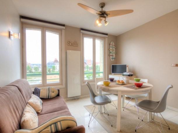 Location vacances Trouville-sur-mer -  Appartement - 4 personnes - Télévision - Photo N° 1