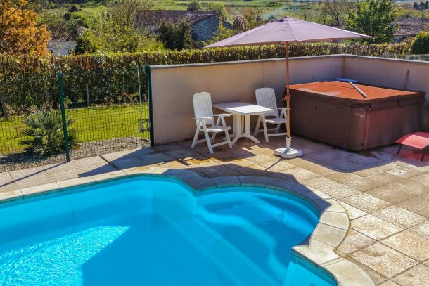 Location vacances Segonzac -  Appartement - 2 personnes - Barbecue - Photo N° 1