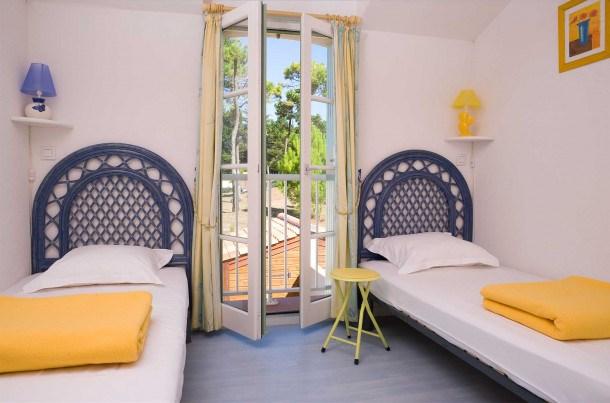 Location vacances Saint-Hilaire-de-Riez -  Maison - 5 personnes - Salon de jardin - Photo N° 1