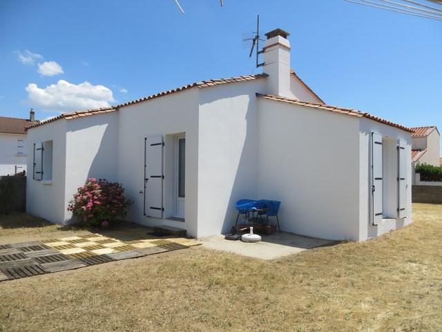 Maison individuelle avec jardin clôturé dans quartier calme - plage à 1500m pain à 300m