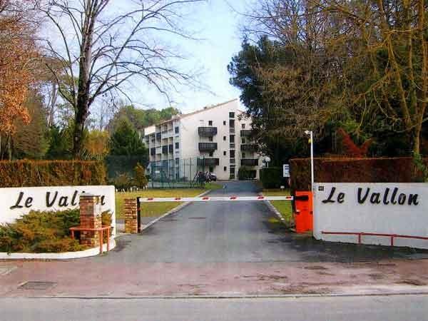 Location vacances Saint-Georges-de-Didonne -  Appartement - 6 personnes - Court de tennis - Photo N° 1