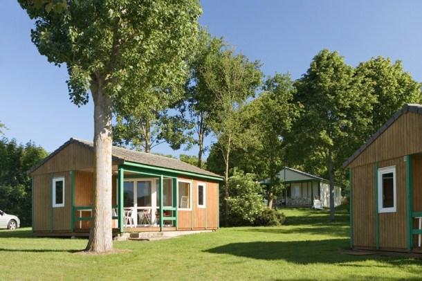 Location vacances Saint-Aubin-des-Préaux -  Maison - 6 personnes - Salon de jardin - Photo N° 1