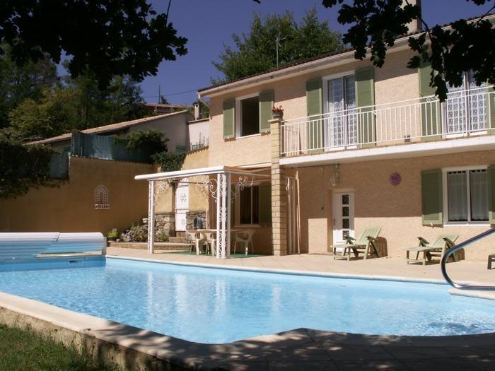 Appartement pour 4 pers. avec piscine, Saint-Étienne-de-Fontbellon
