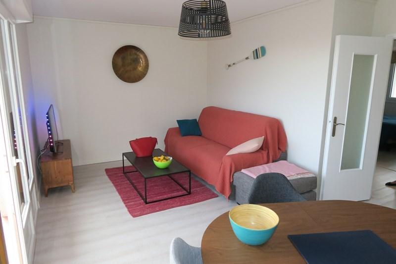 Location vacances Bandol -  Appartement - 4 personnes - Salon de jardin - Photo N° 1