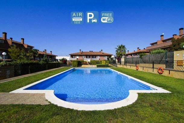 CASA CERVER Cambrils. Pool & Free WIFI