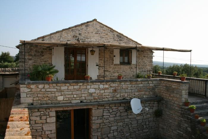 Holiday rentals Le Garn - House - 5 persons - BBQ - Photo N° 1