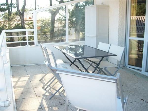 600M PLAGE et PETITS COMMERCES - Agréable appartement étage dans maison individuelle / 4 personnes