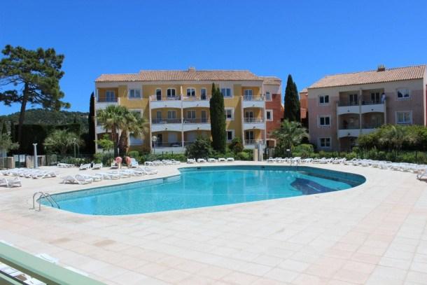 Location vacances Roquebrune-sur-Argens -  Appartement - 4 personnes - Salon - Photo N° 1